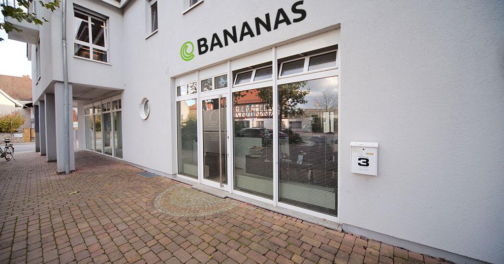 BANANAS_Aussen_claim